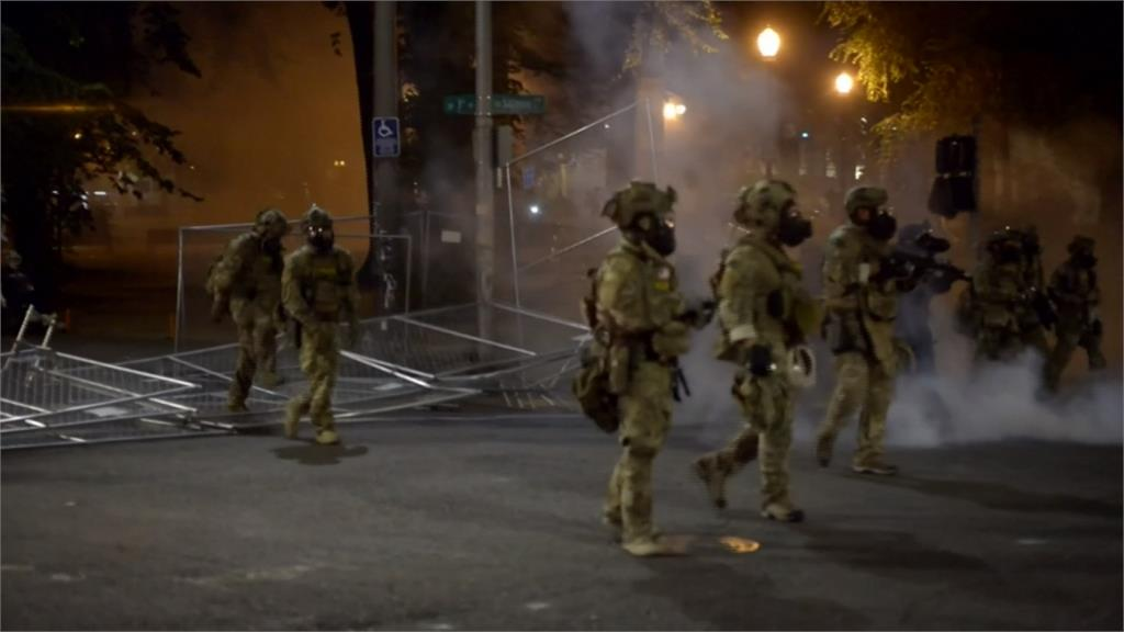川普加派聯邦幹員赴芝加哥等大城 地方首長群起反對