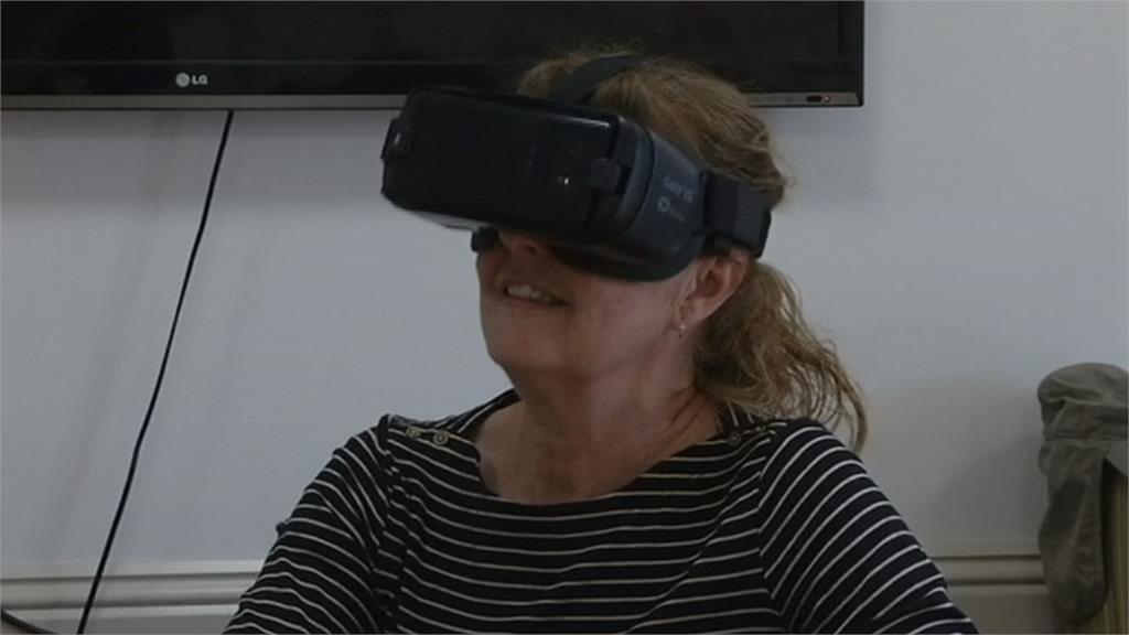虛擬實境進養老院 長者不出門也能散心