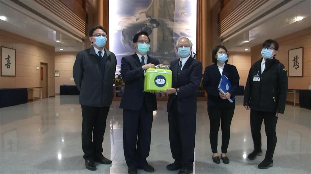 快新聞/新加坡包機飛台灣「落地不入境」 取骨髓幹細胞搶救血癌患者
