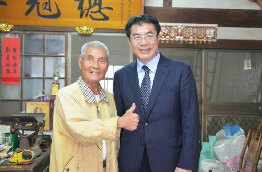 快新聞/92歲國策顧問「崑濱伯」逝世 黃偉哲臉書追思:銘記叮嚀與教誨
