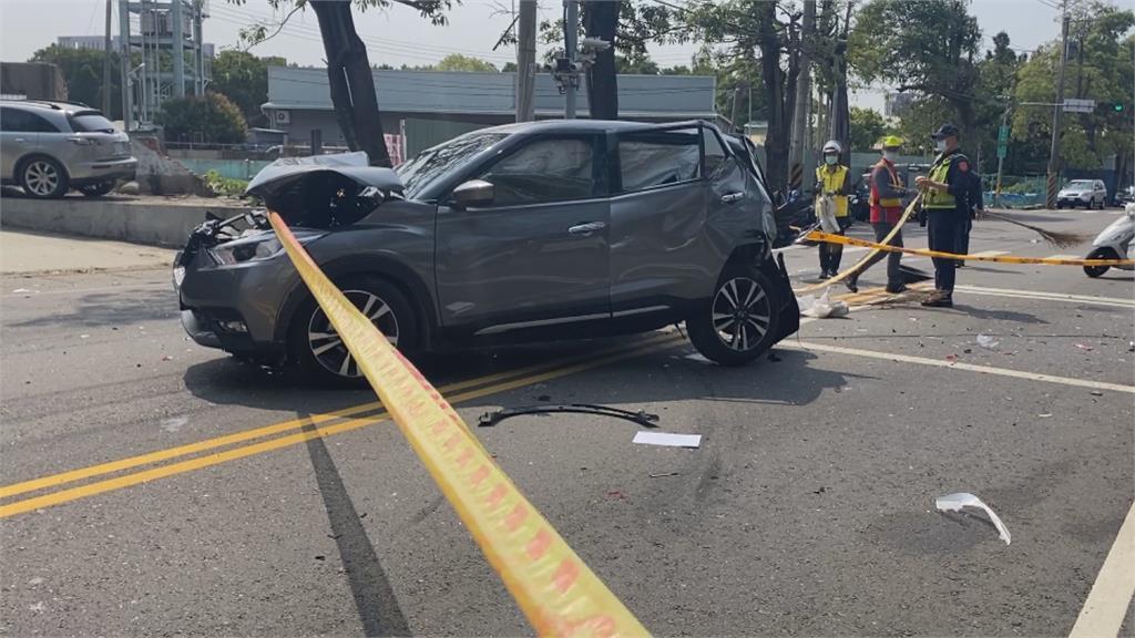 沒煞車直直撞! 2車停等紅燈被追撞「1死3傷」