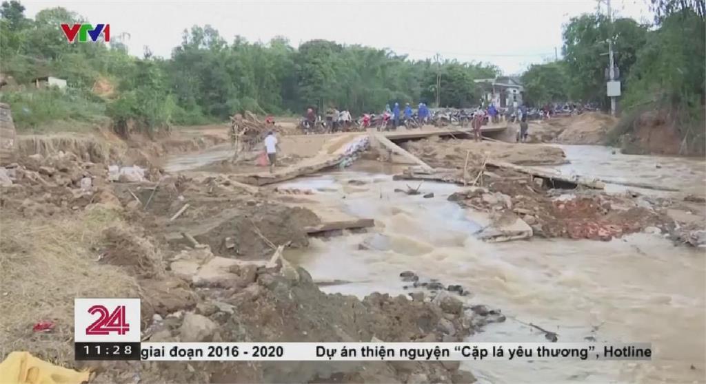 強颱襲越南引發土石流 逾50人慘遭掩埋