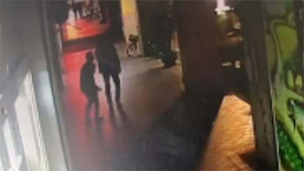 捷運站附近有偷拍狼 被害女揪衣領遭掙脫