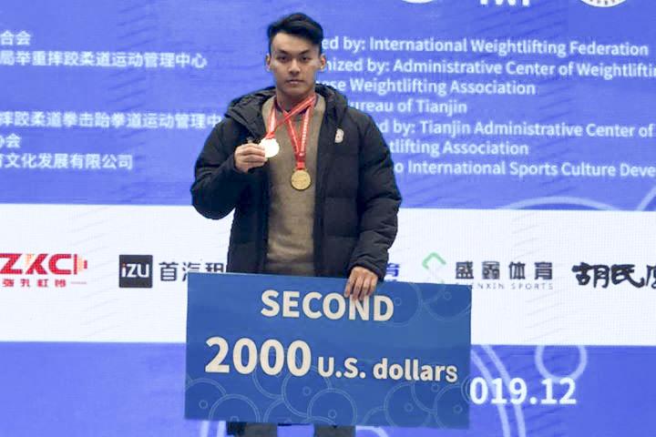 東奧/男子舉重96公斤級 台南子弟陳柏任拚最佳成績!