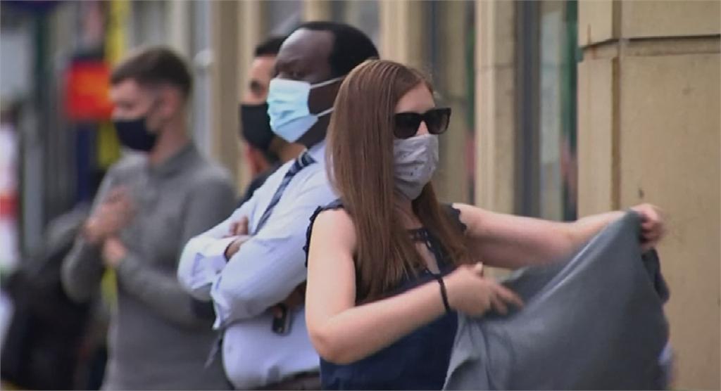 英相強森承認初期搞不清楚狀況 公共場所強制戴口罩反應兩極