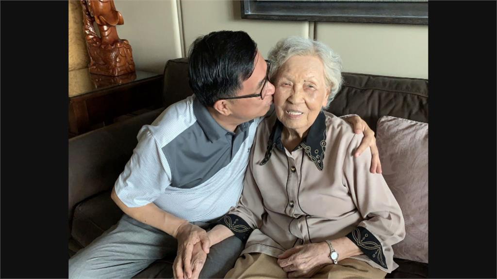 「要睡了」 扁媽安詳辭世 享耆壽94歲 依照遺願 後事從簡 不設靈堂不公祭
