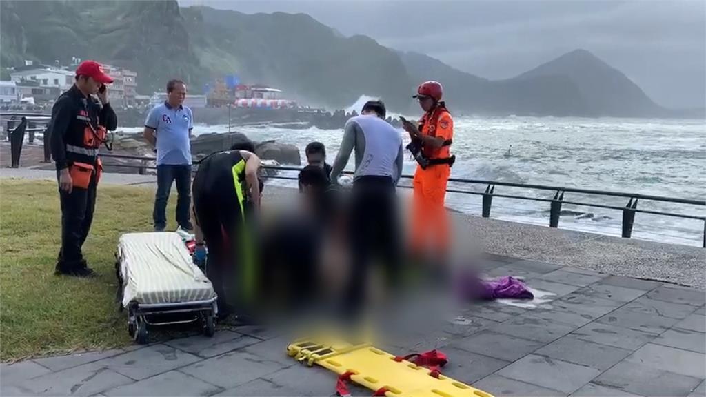 鼻頭角拍照 下1秒驚覺人不見了 婦落海身亡