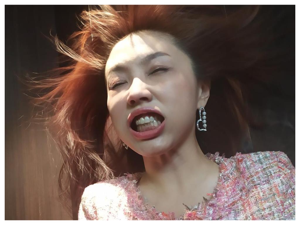 劉樂妍揪3台灣藝人高唱《共產黨萬歲》 網怒:快走不送!