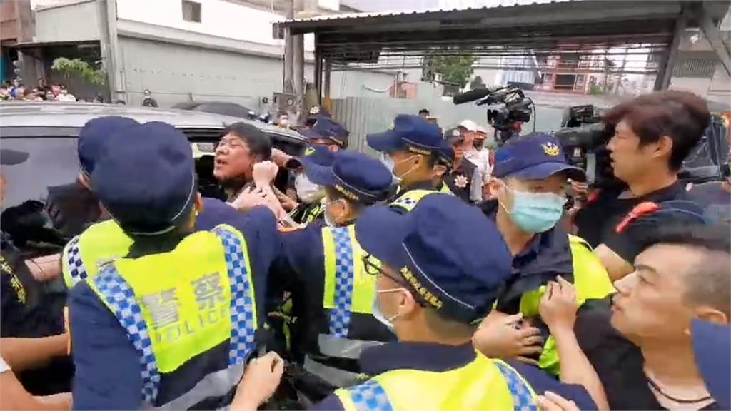詹江村率眾「蛋洗」王浩宇服務處 杏仁哥跟上遭逮捕