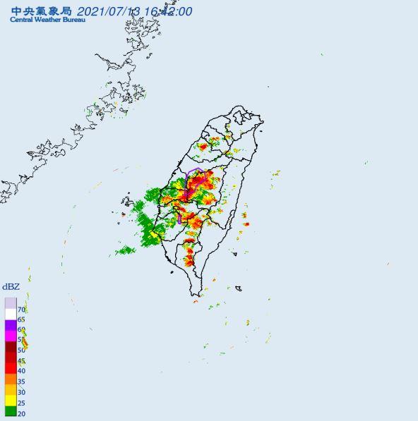 快新聞/下班注意! 中彰投、雲林發布大雷雨訊息 持續至18:00