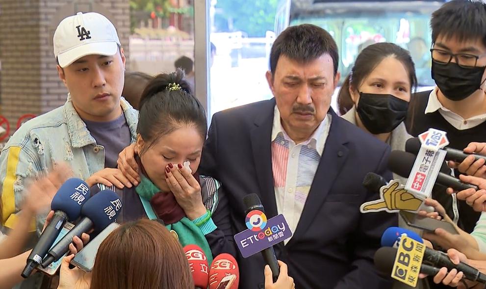 產後第八天余苑綺憔悴現身 李亞萍淚崩:她還有兩個孩子 她不能有什麼事情