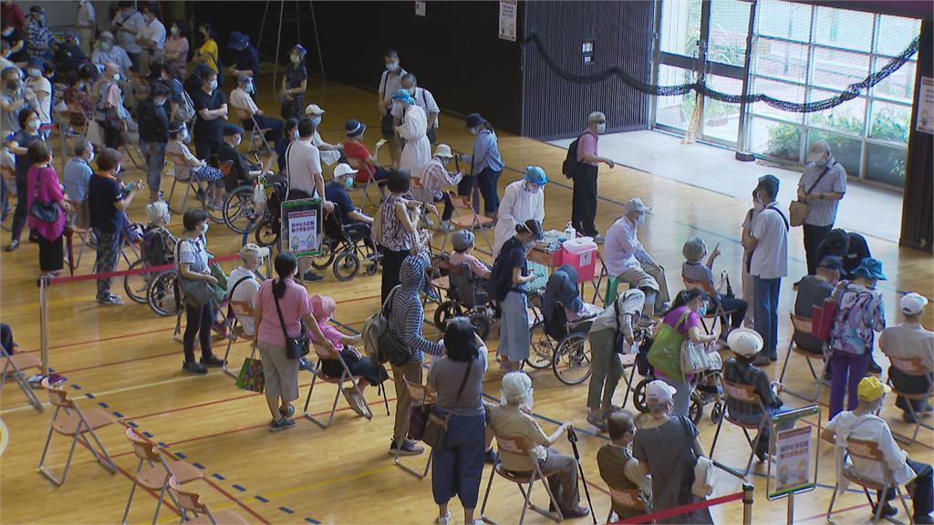 快新聞/北市17日將獲配5.4萬劑疫苗 規劃供80歲以上長者施打