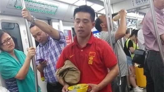 20年前曾奪2金!前中國體操冠軍張尚武 落魄行乞「慘況曝光」