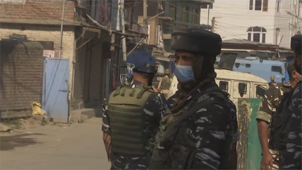 印屬喀什米爾首府爆槍戰!政府軍和叛軍激烈交火 至少4死