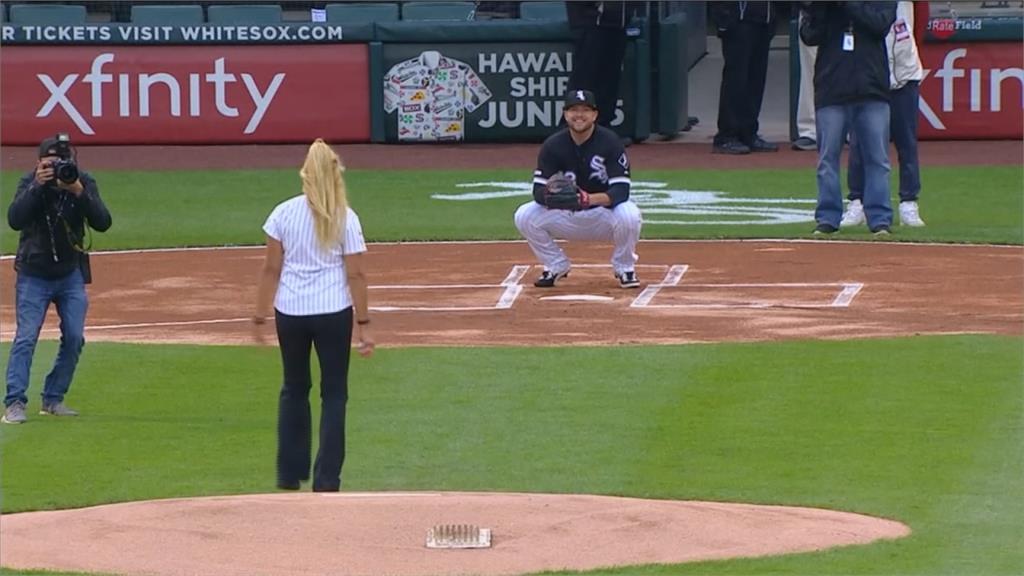 最爛開球儀式又一例!女士暴投K攝影
