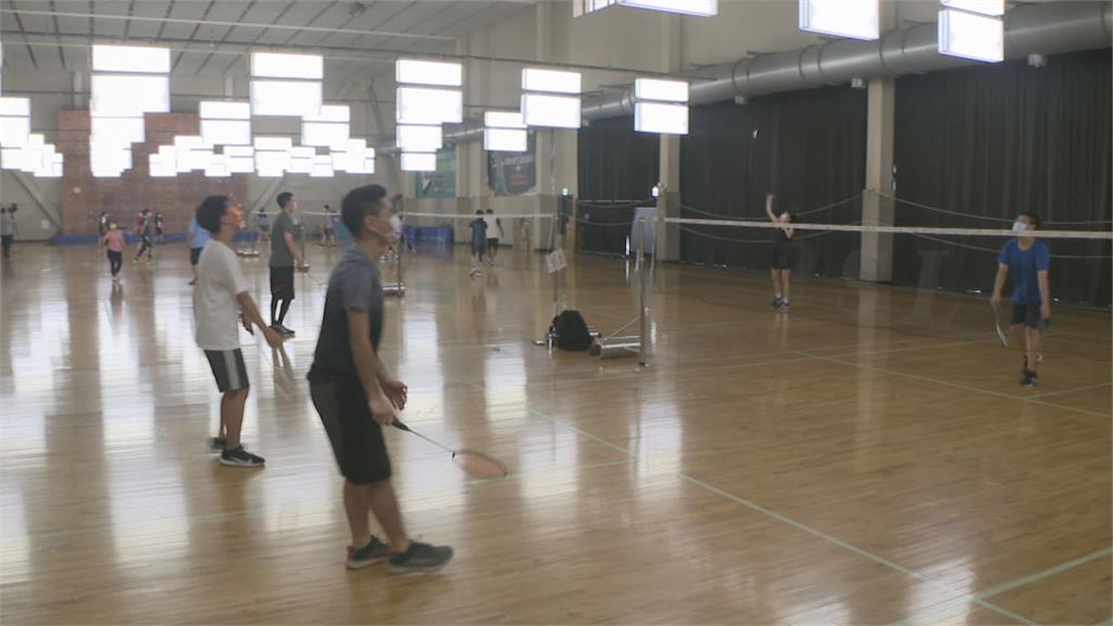 新北運動中心重新開放 民眾搶進健身房運動