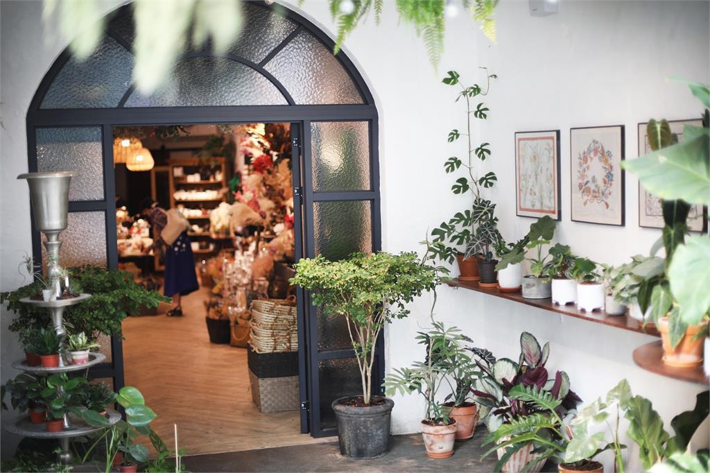 室內也能享受大自然風情!精選南台灣7間「植栽民宿」