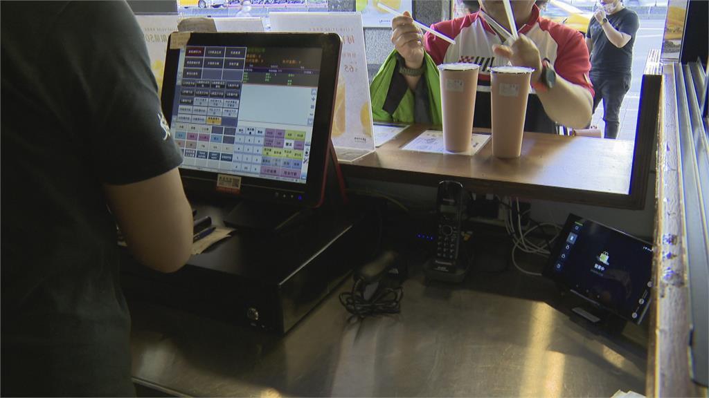 飲料店控訴熊貓外送亂收費 兩造各說各話