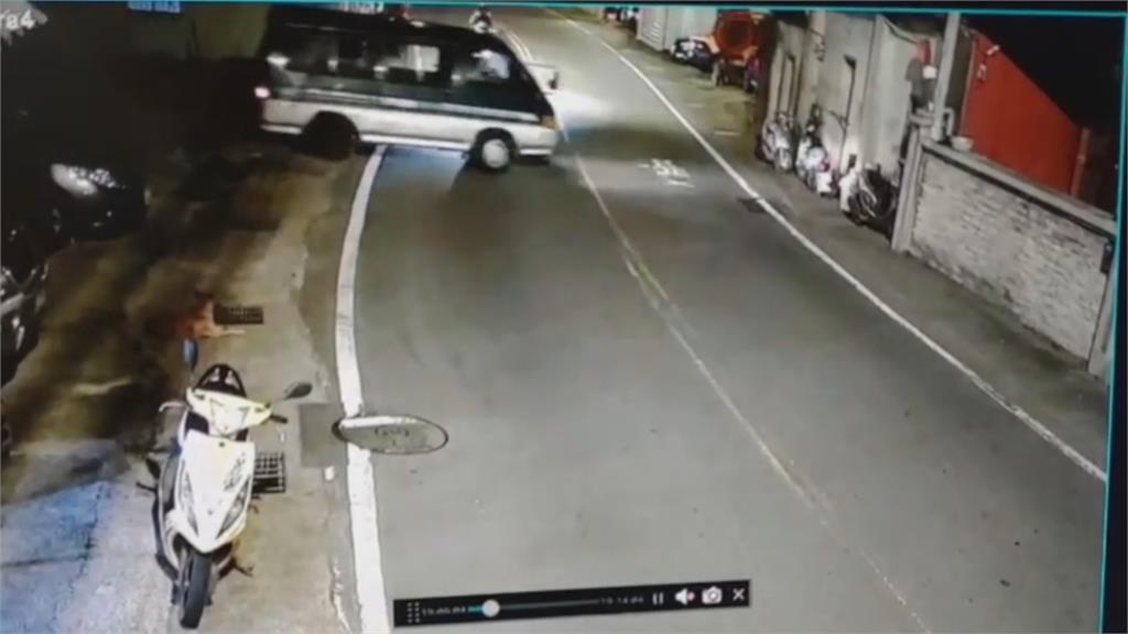 廂型車撞黃牌重機 騎士捲車底不治廂型車駕駛過失致死送辦