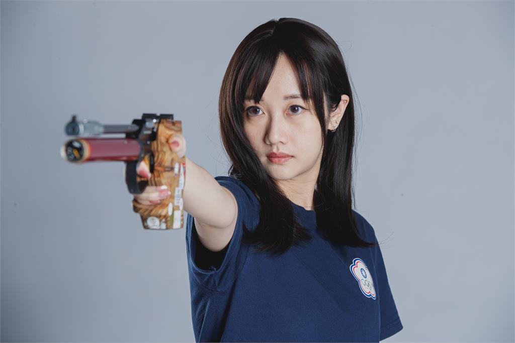 東奧/「證件妹」吳佳穎再拚25M火藥手槍 吳父:拿到獎牌幫你敲鑼打鼓!