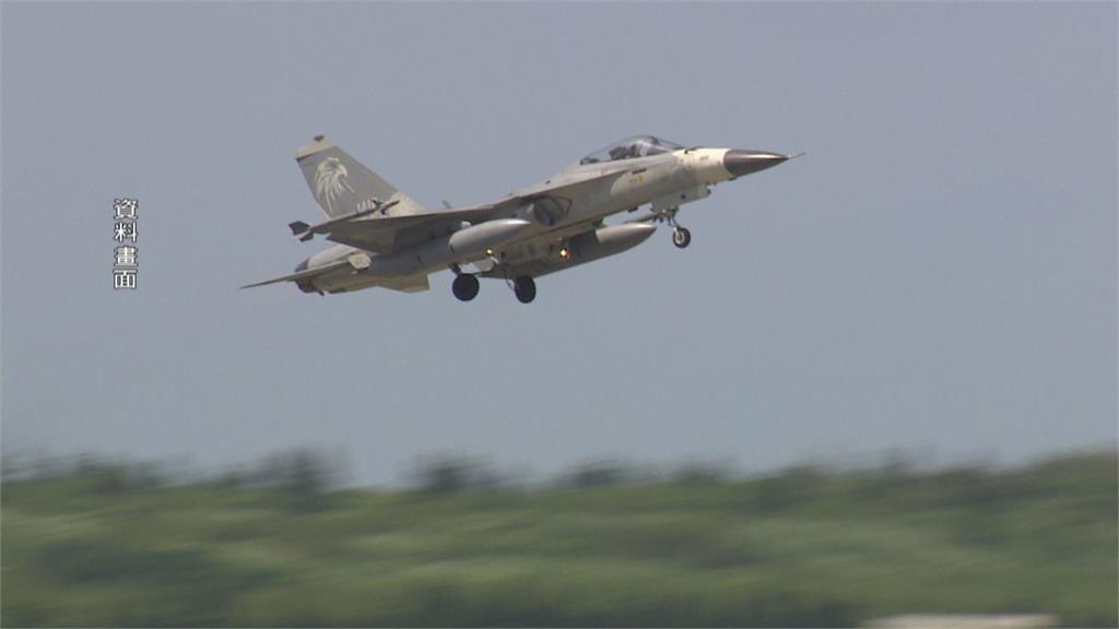 疑側風太大!IDF戰機降落馬公基地「偏離跑道」2飛官平安