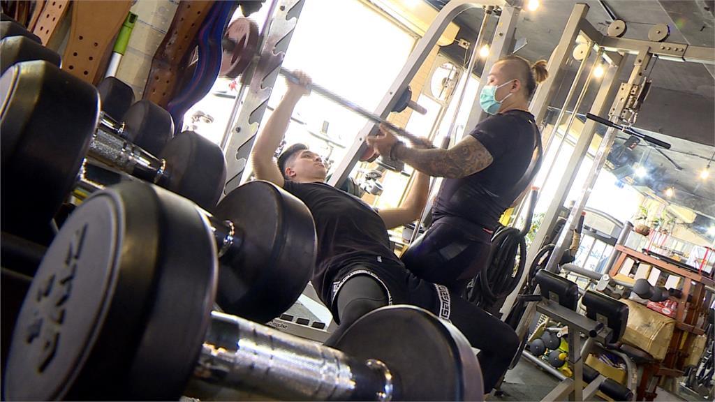 疫情重挫健身房教練自救 推遠距教學業績回升2成