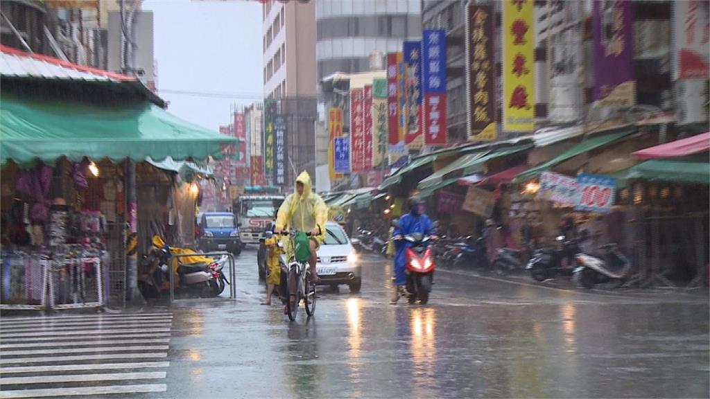 熱低壓清晨高雄登陸 高屏地區強降雨