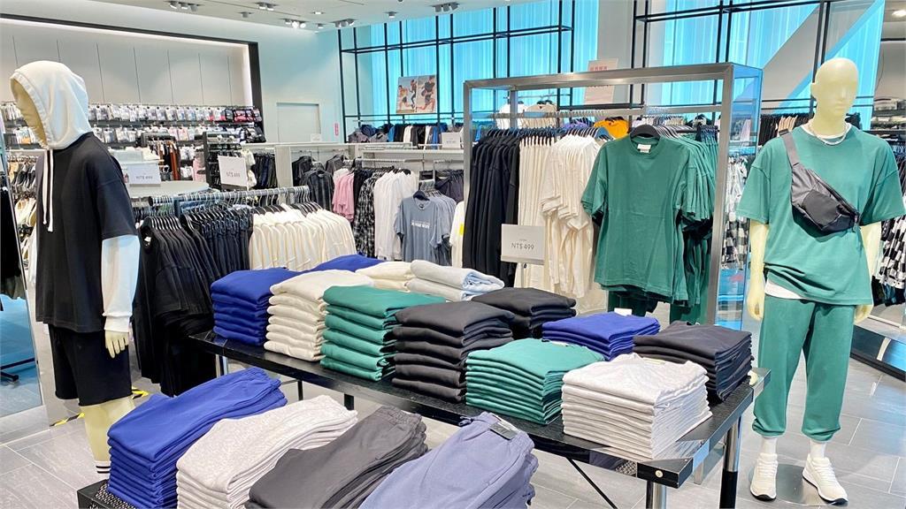 H&M推全新男裝「這配色」竟釣出1堆醫師留言:手術服終於成為時尚
