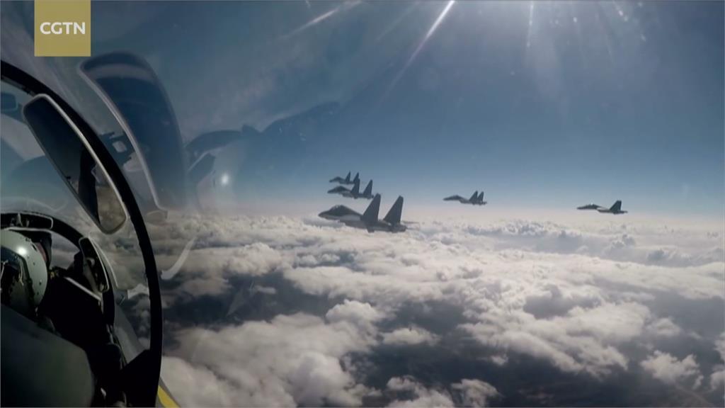 強化南海反潛能力?光復節中運8再擾台 美軍2架B-1B轟炸機現身台灣東南海域