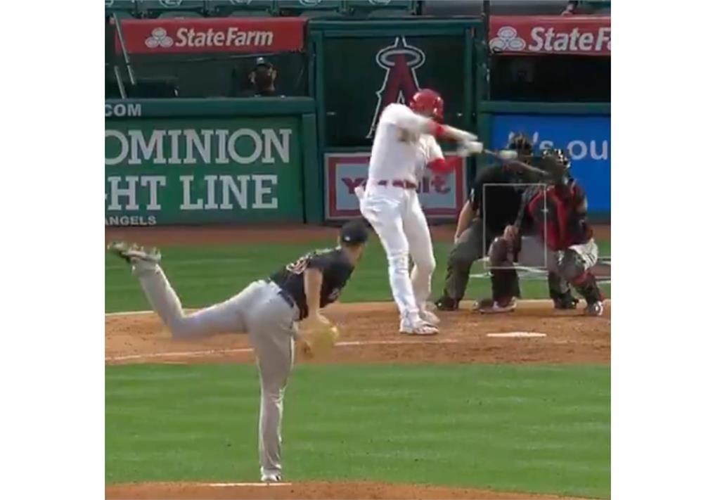 MLB/大谷翔平離譜壞球照轟全壘打 張育成代打遭三振