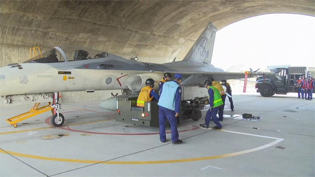 經國號加萬劍彈能直搗中沿海機場 空軍公開訓練