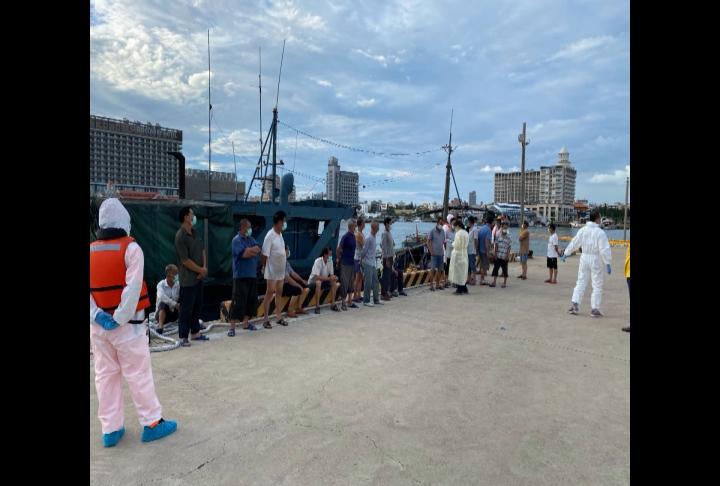 中國船越界海釣 蛇行落跑躲海巡沒效