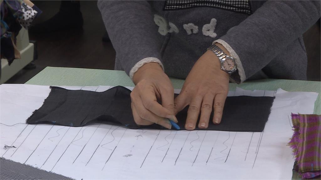 學生自製「重復使用」口罩套!1000個免費送里民