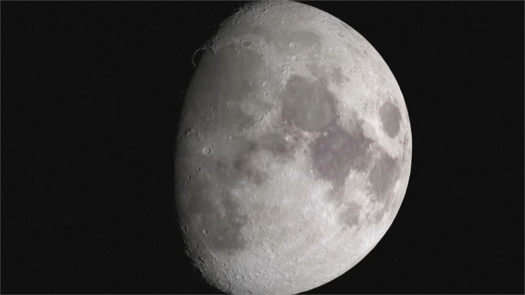 NASA月球觀測新發現!「太陽照射區」首度發現水存在
