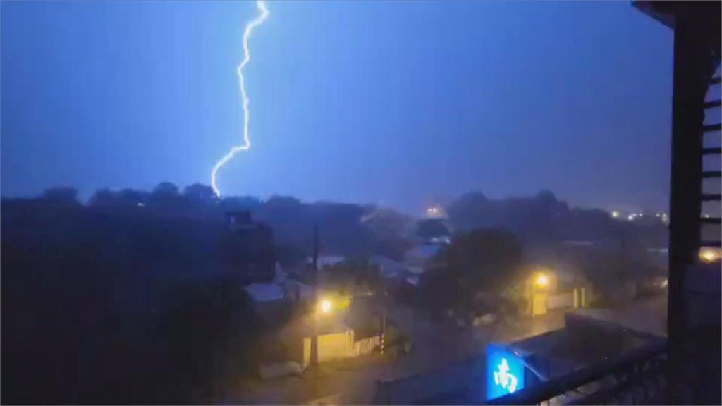 南高屏發布大雨特報 週末後天氣更不穩
