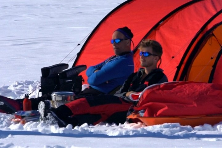 行走966公里!英父子檔靠綠能遠征南極