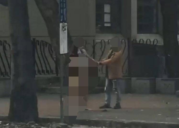 連續2起?台中女「一絲不掛」鎖喉男子強拖上車 警方曝光真相