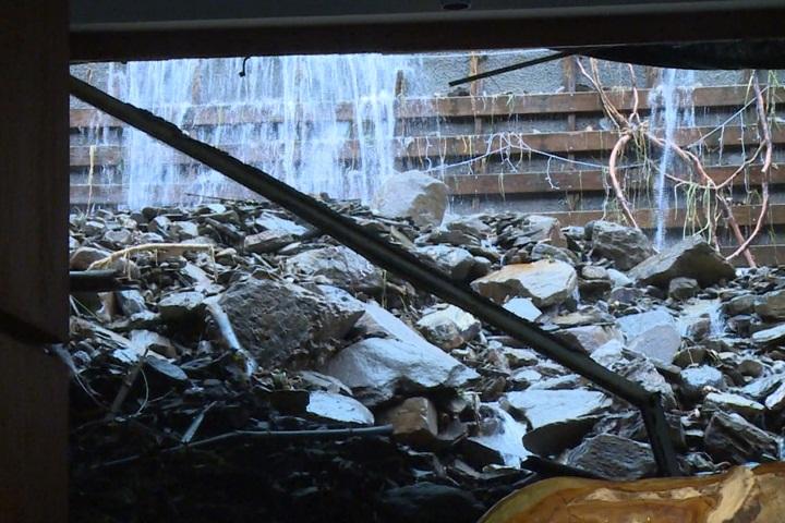 今天再淹! 台東知本富野飯店  土石再淹半層樓