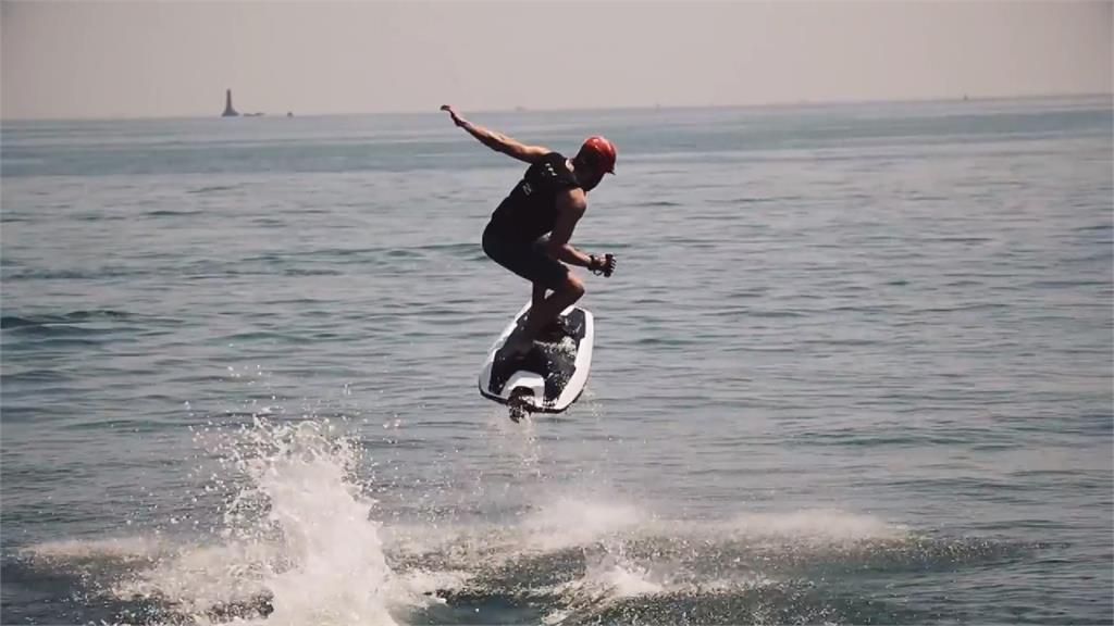 想衝就衝!電動衝浪板免等浪 最快還可達56公里