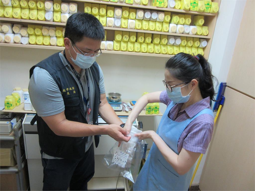 快新聞/台中中藥鉛中毒風波 新北急抽查148家未發現使用硃砂、鉛丹