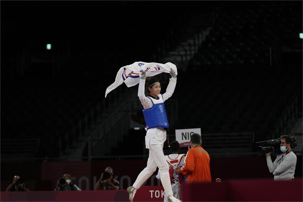 東奧/跆拳道女將羅嘉翎奪生涯首面銅牌! 蔡英文祝賀:今晚「+0」振奮全台