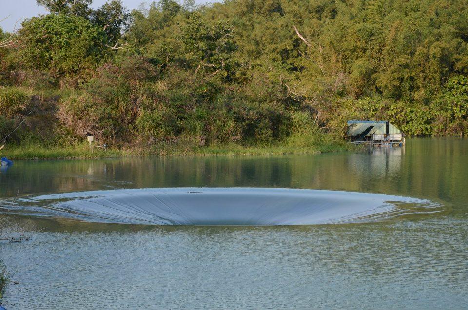 豪雨灌飽曾文水庫!台南西口小瑞士「天井漩渦」奇景回來了