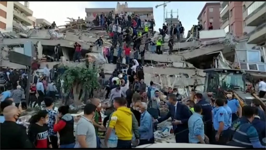 土耳其7.0強震至少19死逾700傷 小規模海嘯淹沒街道