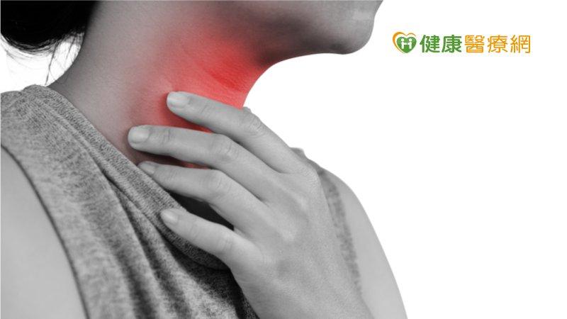 銀髮族吞嚥困難易致吸入性肺炎! 「4動作」防嗆咳