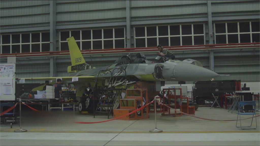 6架F-16A戰機飛美返台 前往清泉崗升級「V型」
