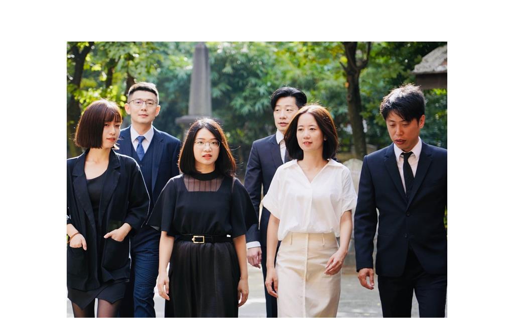 快新聞/林昶佐秀進步青年連線成員照 網友狂推:日劇的宣傳照