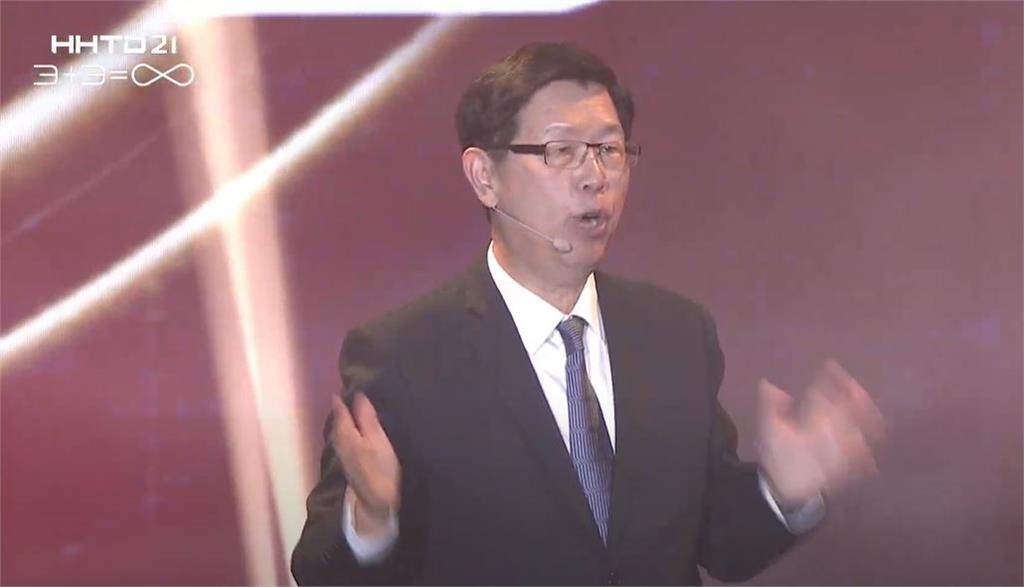 劉揚偉:電動車明年貢獻營收 5年後成鴻海兆元產業