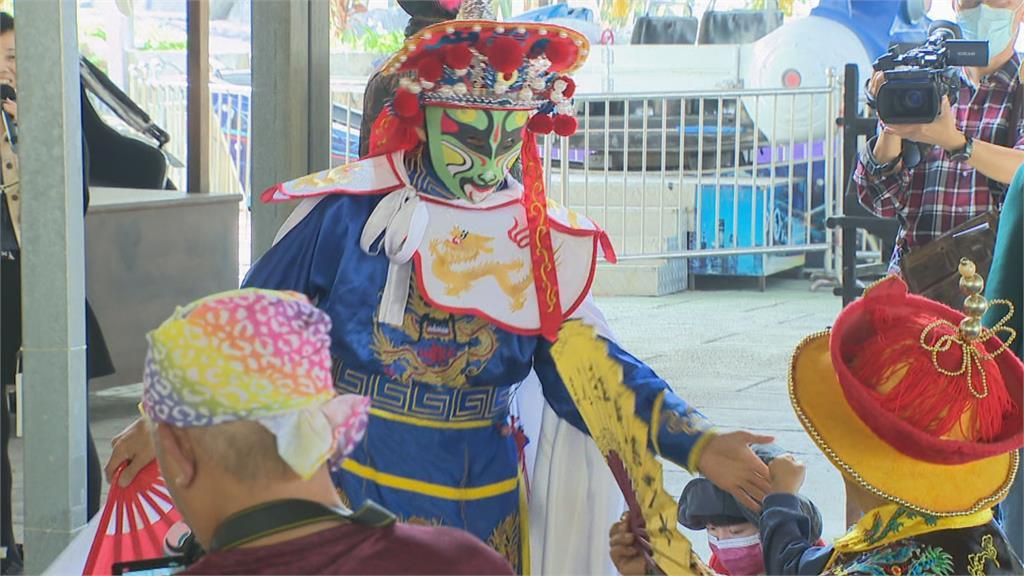 228連假出遊 到台南白河看川劇變臉