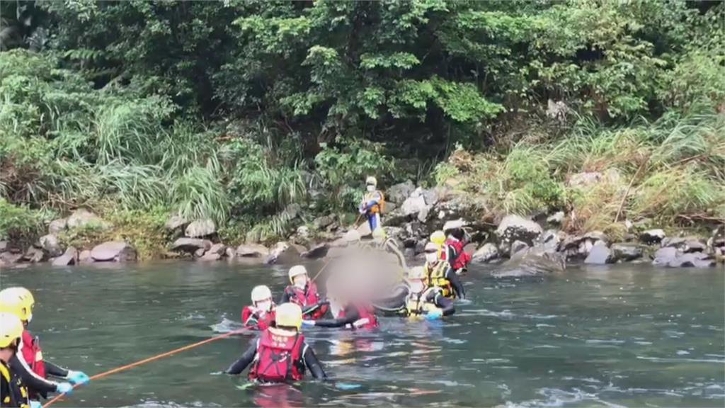 虎豹潭搜救任務結束「8歲劉小妹找到了」 我們回家了...家屬心碎指認遺體