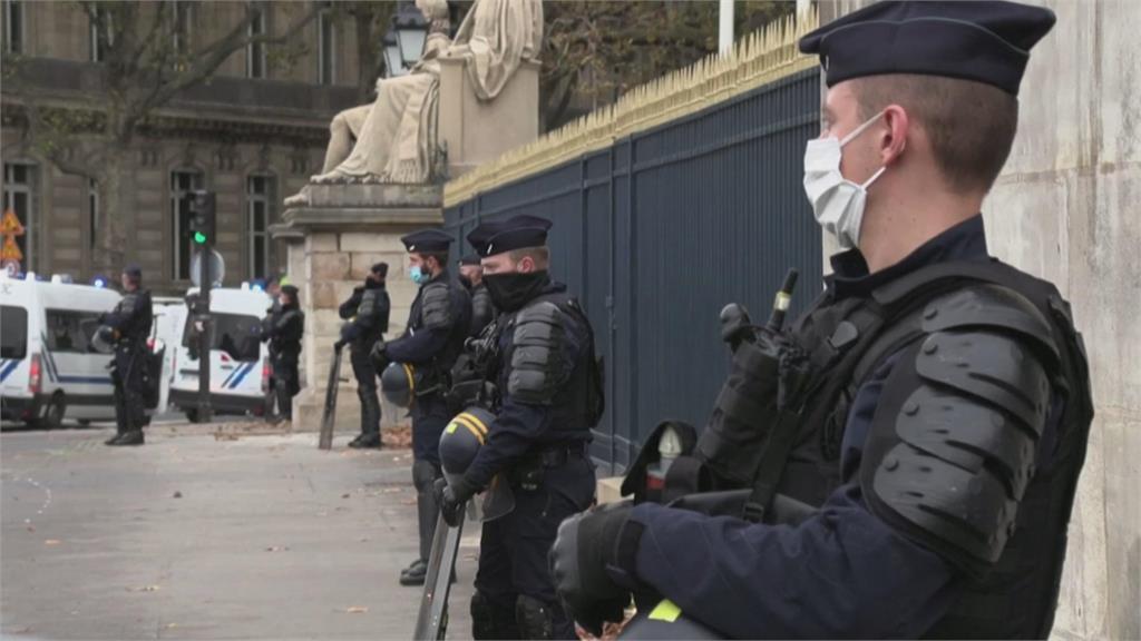 快新聞/法國傳多起恐怖攻擊事件 <em>蔡英文</em>譴責暴力行為